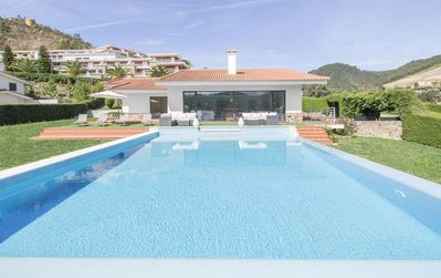 Photo for Villa Zezere Lago - Modern 4 Bedroom Villa - Walking Distance to Castelo de Bode Lake - Stunnin