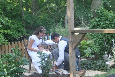 Romantic Cottage, with outdoor hot tub, also a beautiful setting for a  wedding! - Coatesville