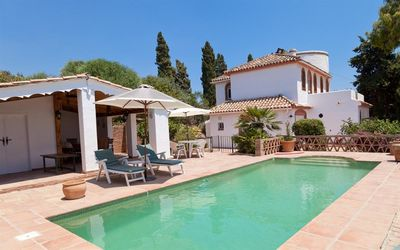Photo for Fabulous tranquil villa with private pool - WIFI, Short drive to sea, just outside Estepona town
