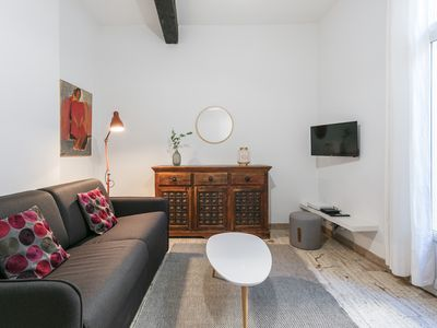 Photo for Superb apartment one block from Place de la Comedie!