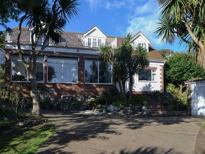 Photo for 6 bedroom accommodation in Ventnor