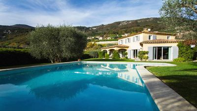 Photo for Neo Provencal villa of charm, swimming pool, pool-house, very quiet, south, olive trees