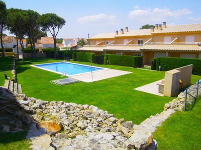 Photo for Villa Anna, with communal pool, air conditioning, wifi free, 6 / 7pax