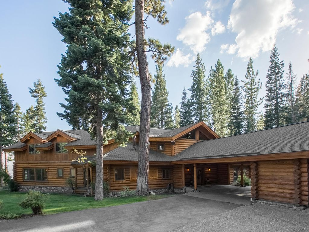 Bear paw deluxe 6000 sq ft estate on 30 acres w hot tub for 10000 sq ft in acres