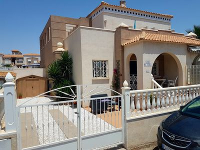 Photo for Charming , comfortable house in pristine condition close to restaurants , shops