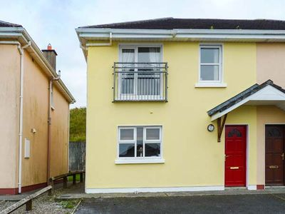 Photo for THE RED DOOR, family friendly in Lahinch, County Clare, Ref 905612