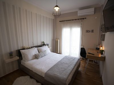 Photo for Cozy apt next to metro and close to acropolis