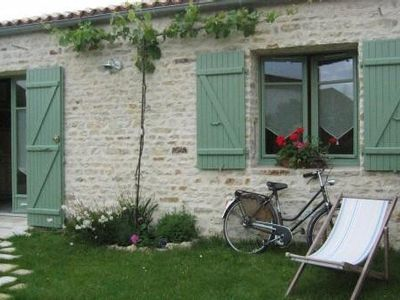 Photo for Cottage *** Near La Rochelle - Free Wifi - Pets Ok - 2CH - 4/6 people