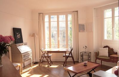Photo for Corner apartment bathed in light a quarter of an hour walk from Paris