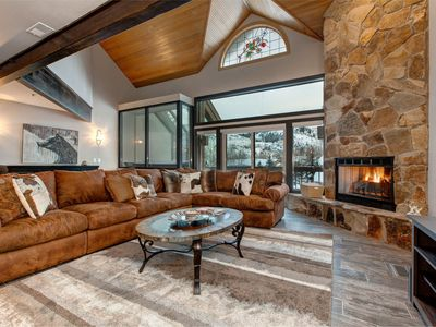 Abode at Queen Esther | Block from shuttle | Great deal in Lower Deer Valley!!