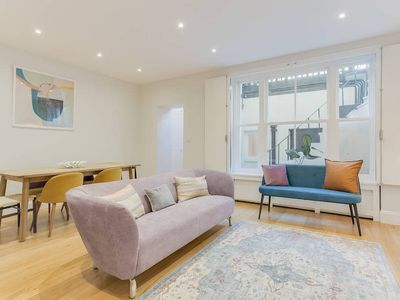 Photo for Sophisticated 3 Bed apt w/Patio in Notting Hill
