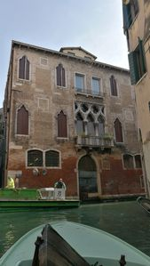 Photo for A Gothic palace of 1400 on the Rialto canals