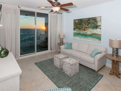 Photo for 1BR/2BA Gulf-Front, Slps 7, Blcny, W/D, WiFi, Pool/Hot Tub/Fit Ctr, Free Activities -Lighthouse 1102