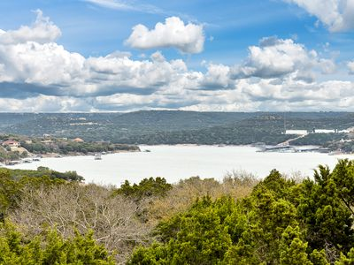 Photo for Awesome newly decorated Villa at Hollows Resort, great Lake Travis and Hill Country view, lakefront