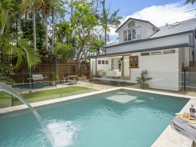 Photo for Starr Cottage Byron Bay - Walk to town in 5 minutes!