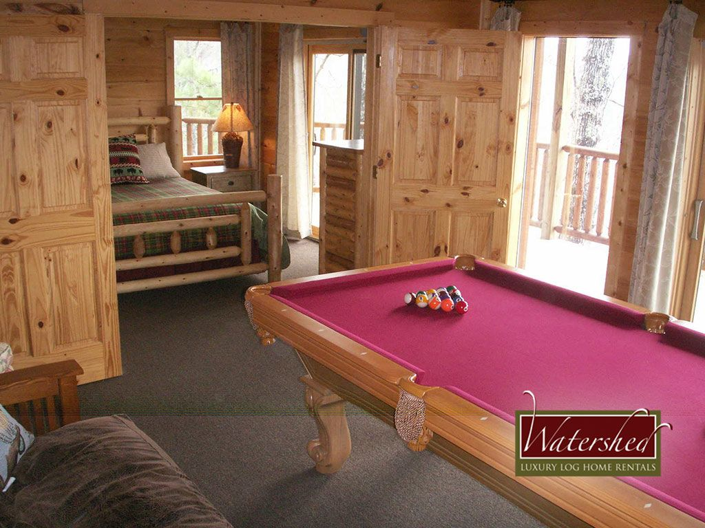 watershed 9 cozy cabin with private outdoor fireplace by the