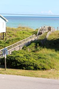 Walkway to ocean just across street from the cottage. Easy access to beach!