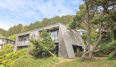 Photo for Great Ocean Views, Easy Beach Access Nearby, Beautiful Natural Surroundings