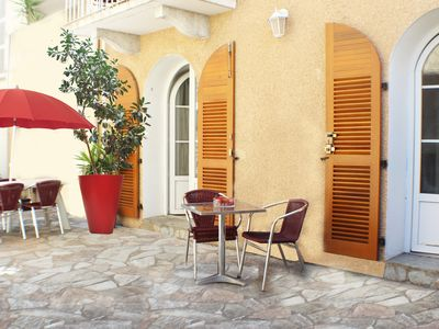 Photo for Downtown rental 2/4 pers with large terrace 30m2