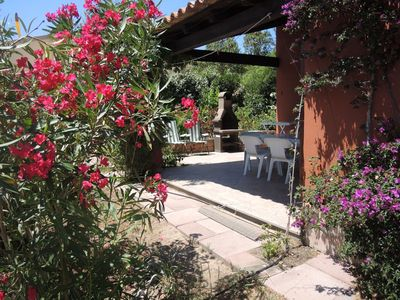 Photo for Terraced house with Animation-Pool-Tennis. Sea à 100m in a holiday village.