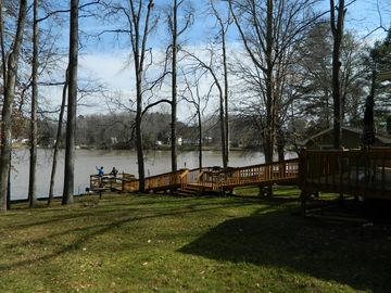 Waterfront Bungalow Updated on High Rock lake
