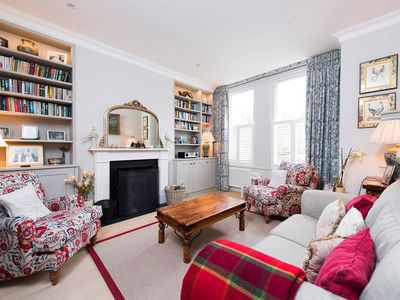 Photo for Majestic & Stylish 5BR Family Home Near Clapham