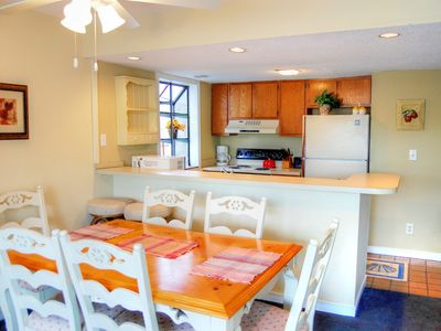 Photo for Brightly decorated condo near many restaurants and local entertainment!