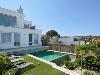 Photo for Holiday rental villa with swimming pool in Begur, Centre