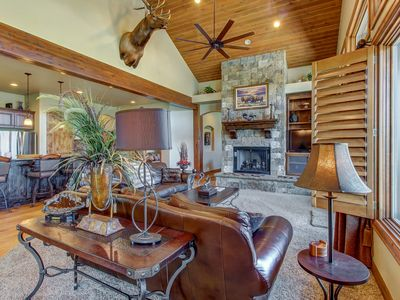 Photo for Private hot tub & fireplace near hiking trails, minutes from Kimball Junction