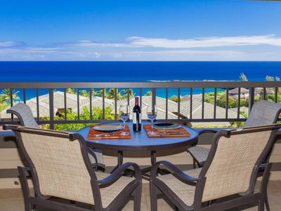 Photo for Elegant remodeled villa with stunning views, even while you cook!