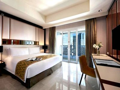 Photo for 1BR Luxe Residence Suite-Pacific Place-Free B'Fast