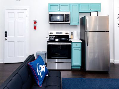 Photo for DTWN Queen bed studio w/ sofa bed|Coffee & NETFLIX |Parking & keyless entry