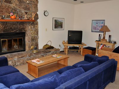 Photo for GoreCreekMeadows 5 bedroom 5 mi to Vail  5020 Main Gore Pl, #M1,Val, CO 81657