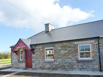 Photo for AGGIE'S COTTAGE, pet friendly in Ballycastle, County Mayo, Ref 917099