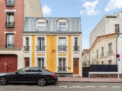 Photo for Large house with garden at the doors of Paris in Montrouge - Welkeys