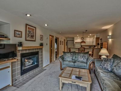 Photo for 1st floor, walk to lift.Near ski school/ski rentals-restaurants Very Convenient!