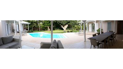 Photo for Sumptuous villa with pool ideally placed