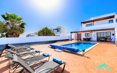 Photo for Set in a quiet residential area only a 15 min walk to Playa Blanca centre