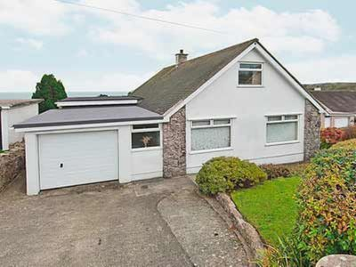 Photo for 4 bedroom property in Benllech. Pet friendly.