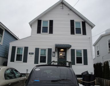 Photo for 3 bedrooms two baths  cross st to beach