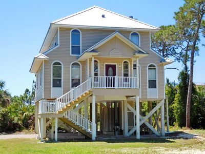 Photo for $2300 for 3/31-4/6! Pet friendly Plantation Escape. Beach View, Free Beach Gear, Fireplace!