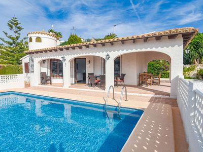 Photo for 6 person Villa located on very large plot & pool and close to the golf course