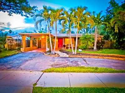 Photo for Adorable Clean Pet Friendly House Close to Beaches, Wilton Manors