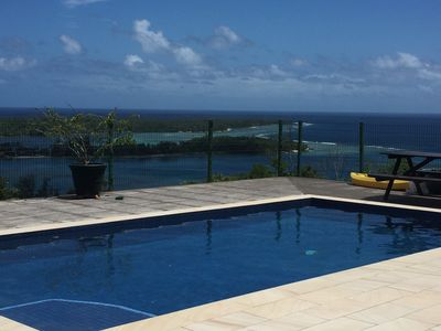 Beautiful views over the lagoon and ocean with cooling ocean breezes.