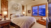 Silver Strike Lodge penthouse with spectacular valley views & private balcony