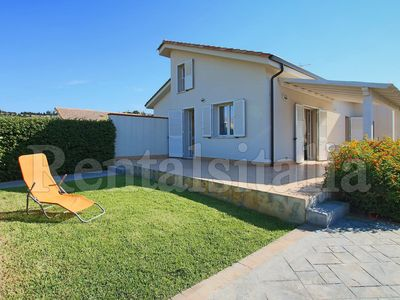 Photo for 3BR Villa Vacation Rental in Piana Calzata, Sicilia