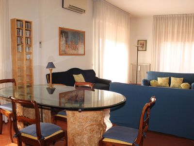 Photo for Greve in Chianti Centre, bright apt in 2 apt building: Terraces