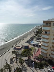 Photo for Bright apartment with stunning sea views in first line beach, with WIFI !!