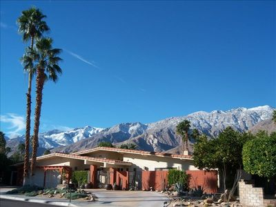 Palm Spring's best neighborhood.  Full sun and mountain views.