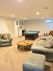 """""""Home Away From Home""""/ 5 mins from downtown Fredericksburg & mall!"""